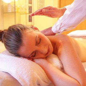 ayurvedic-neck-shoulder-and-back-massage_amara-yoga-monaghan